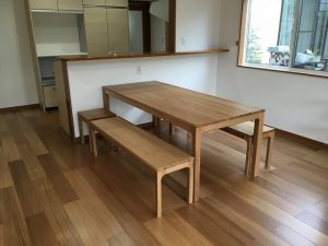 ダイニングテーブル・椅子