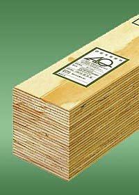 LVL  LaminatedVeneerLumber 何層も圧縮された積層柱